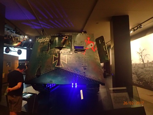 Sturmpanzerwagen A7V - Front